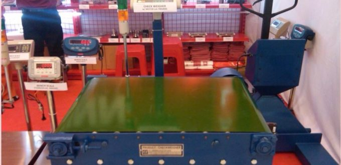 timbangan check weigher otomatis dengan conveyor